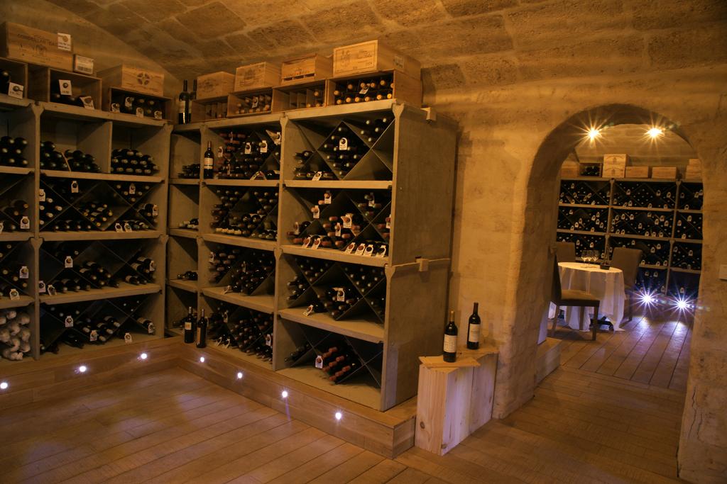 wine cellar restaurant le chapon fin